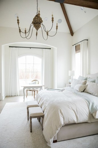 Cool French Country Master Bedroom Design Ideas With Farmhouse Style 04