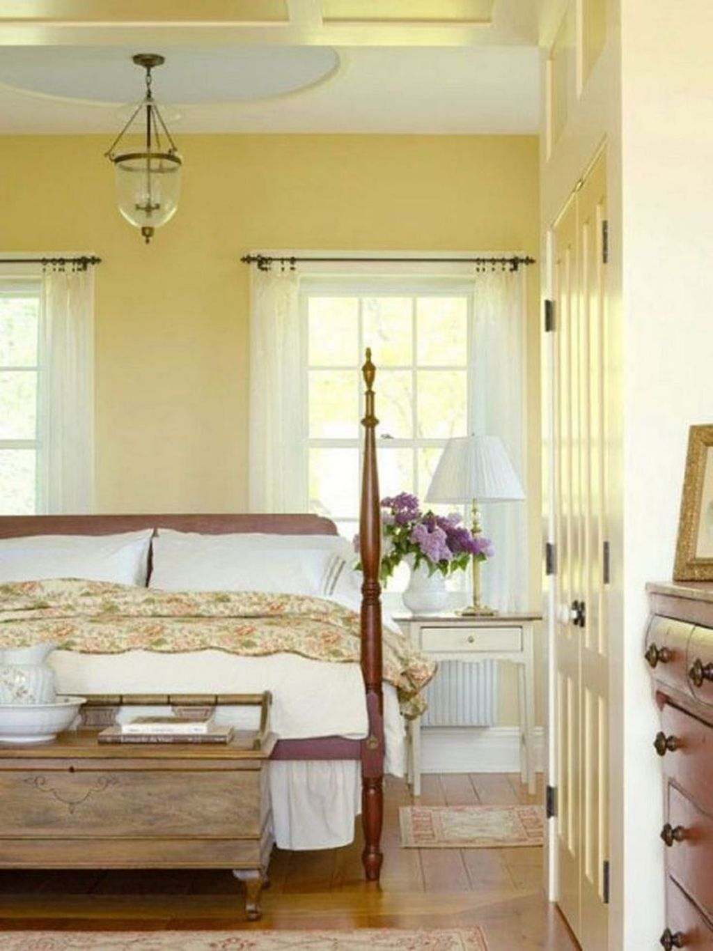 Cool French Country Master Bedroom Design Ideas With Farmhouse Style 26