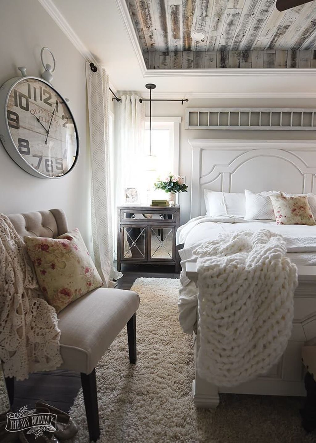 Cool French Country Master Bedroom Design Ideas With Farmhouse Style 35