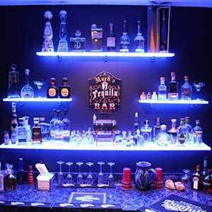 Delicate Home Bar Design Ideas That Make Your Flat Look Great 42