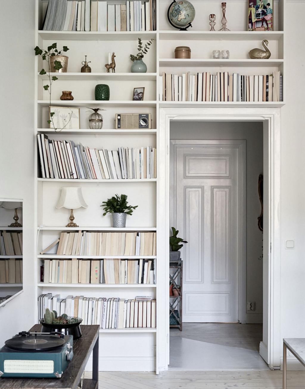 Elegant Bookshelves Decor Ideas That Trending Today 08