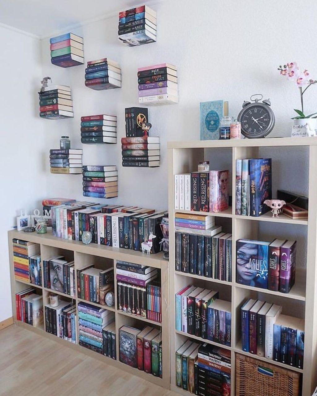 Elegant Bookshelves Decor Ideas That Trending Today 28