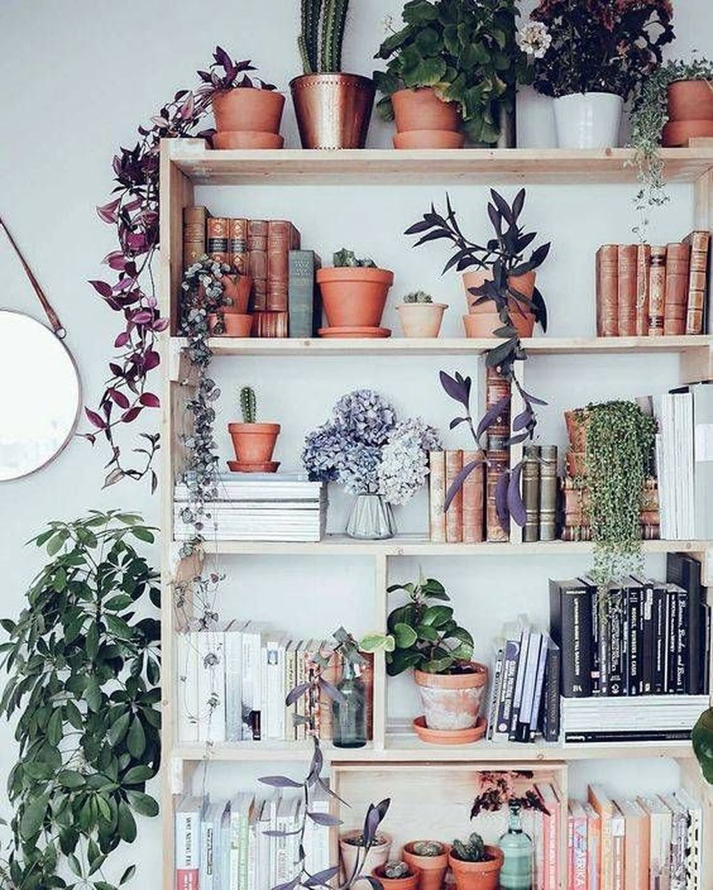 Elegant Bookshelves Decor Ideas That Trending Today 46