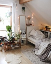 Lovely Bedroom Decor Ideas For Small Apartment 04