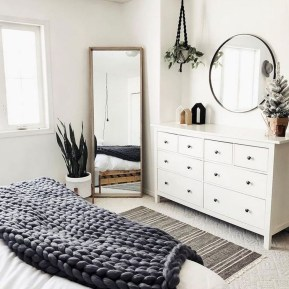 Lovely Bedroom Decor Ideas For Small Apartment 11