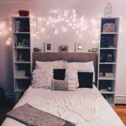 Lovely Bedroom Decor Ideas For Small Apartment 32