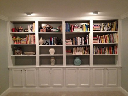 Pretty Bookshelves Design Ideas For Your Family Room 05