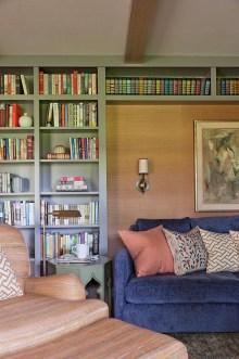 Pretty Bookshelves Design Ideas For Your Family Room 07