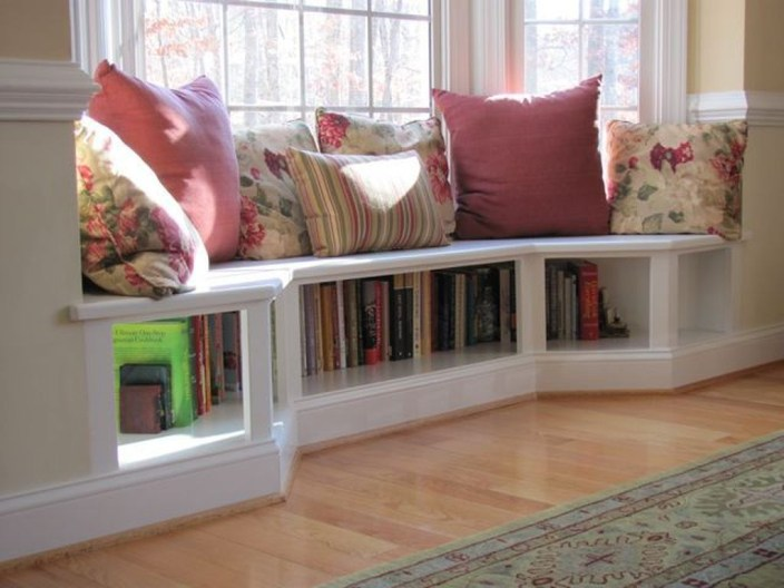Pretty Bookshelves Design Ideas For Your Family Room 13
