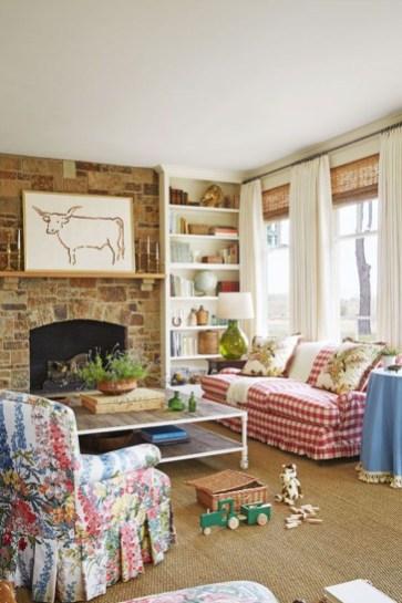 Pretty Bookshelves Design Ideas For Your Family Room 15