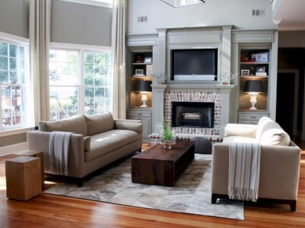 Pretty Bookshelves Design Ideas For Your Family Room 21