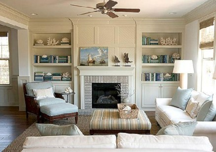 Pretty Bookshelves Design Ideas For Your Family Room 24