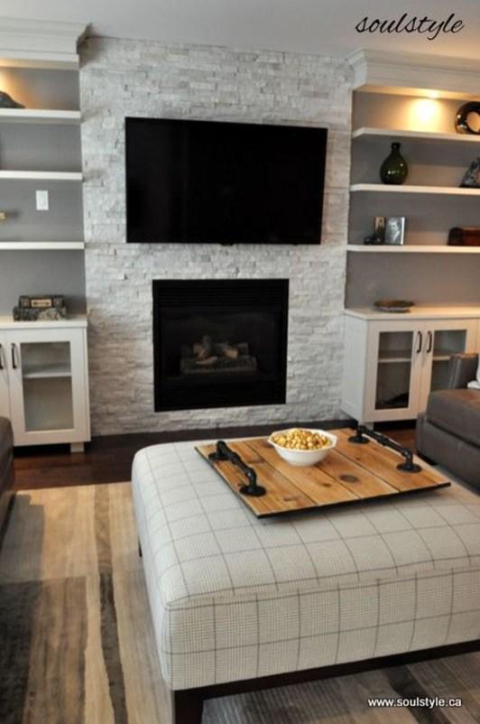 Pretty Bookshelves Design Ideas For Your Family Room 31
