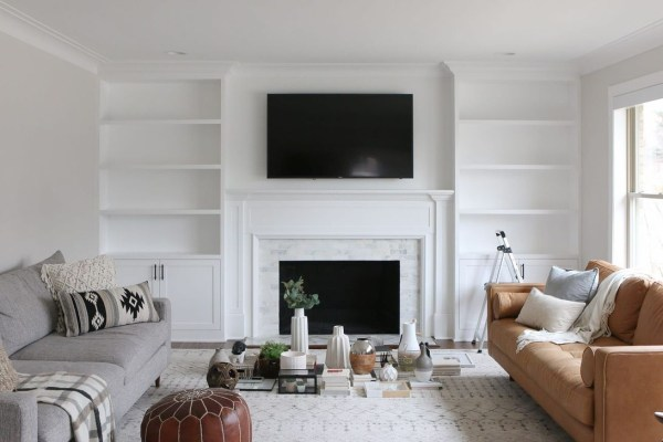 Pretty Bookshelves Design Ideas For Your Family Room 33