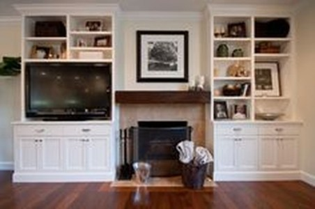 Pretty Bookshelves Design Ideas For Your Family Room 39