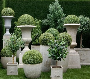 Pretty Frontyard Landscaping Design Ideas 02