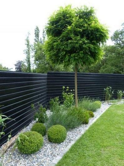 Pretty Frontyard Landscaping Design Ideas 15