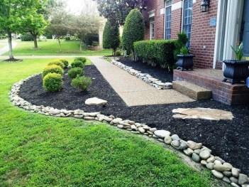 Pretty Frontyard Landscaping Design Ideas 36