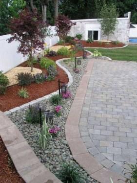 Pretty Frontyard Landscaping Design Ideas 51