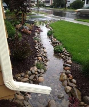 Pretty Frontyard Landscaping Design Ideas 53