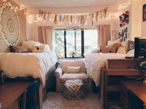 Adorable Dorm Room Design Ideas On A Budget 16