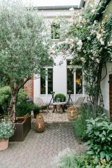 Amazing Backyard Landscaping Design Ideas On A Budget 10
