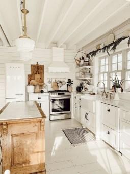Awesome Farmhouse Kitchen Ideas On A Budget 34
