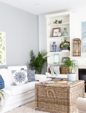Best Coastal Living Room Decorating Ideas 08