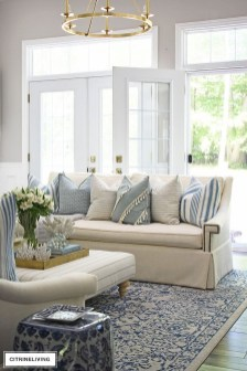 Best Coastal Living Room Decorating Ideas 12