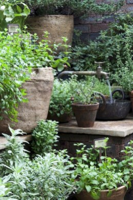 Chic Herb Garden Design And Remodel Ideas To Try Right Now 17