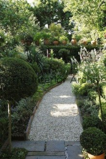 Classy Garden Path And Walkway Design And Remodel Ideas 02