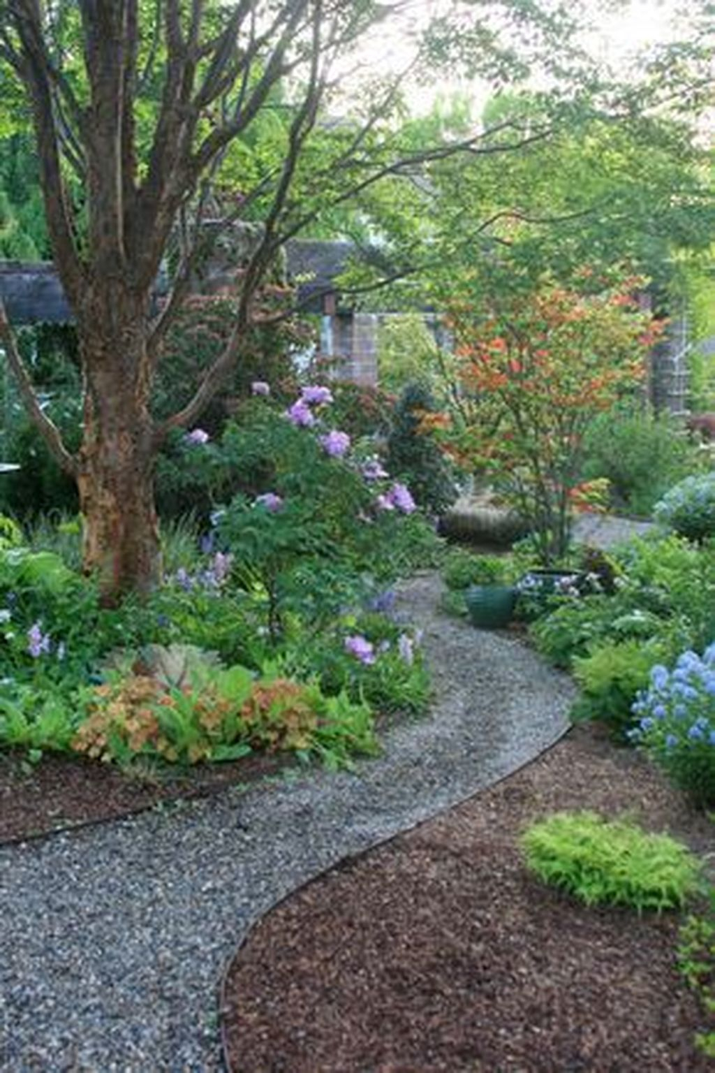 Classy Garden Path And Walkway Design And Remodel Ideas 14