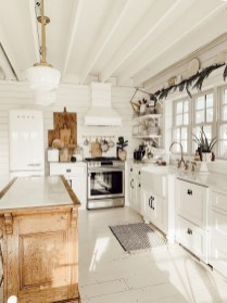 Classy Kitchen Decorating Ideas To Try This Year 27