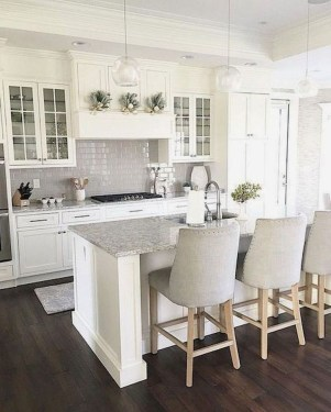 Classy Kitchen Decorating Ideas To Try This Year 41