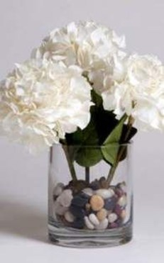 Cool Floral Arrangement Ideas To Beautify Your Room 09