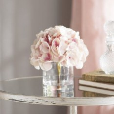 Cool Floral Arrangement Ideas To Beautify Your Room 55