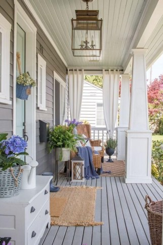 Cozy Small Porch Design Ideas To Try Right Now 42