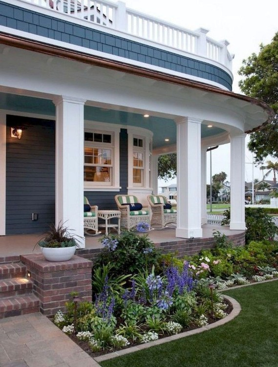 Cozy Small Porch Design Ideas To Try Right Now 49