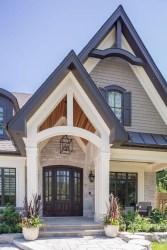 Incredible Farmhouse Exterior Design Ideas To Try 05