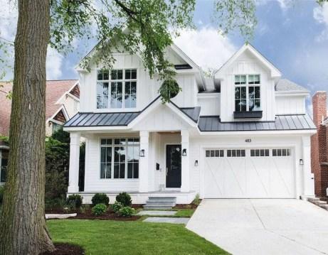 Incredible Farmhouse Exterior Design Ideas To Try 45