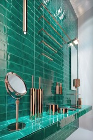 Inspiring Bathroom Decor Ideas With Turquoise Color To Consider 31