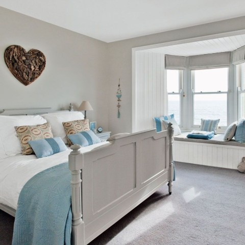 Perfect Coastal Bedroom Decorating Ideas To Apply Asap 14