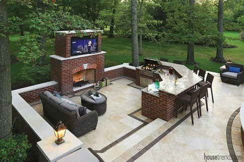 Pretty Seating Area Ideas With Outside Fireplace 02