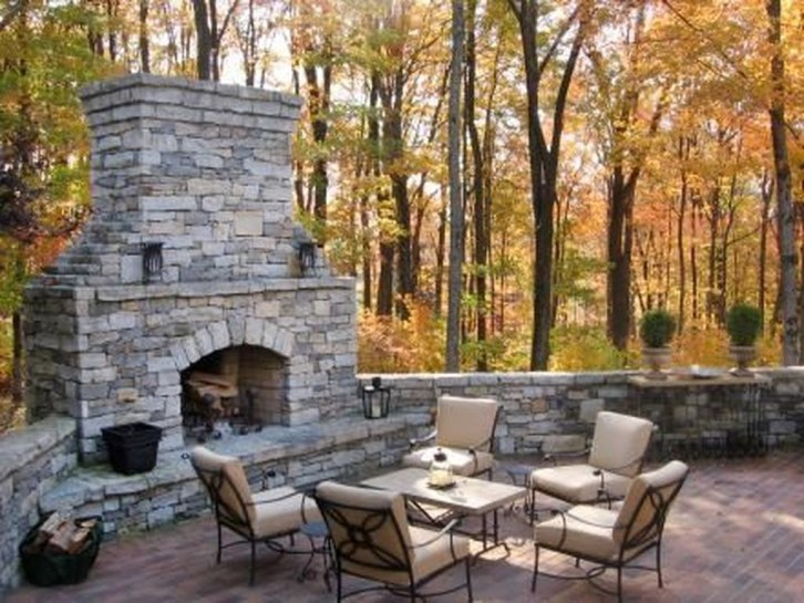 Pretty Seating Area Ideas With Outside Fireplace 17