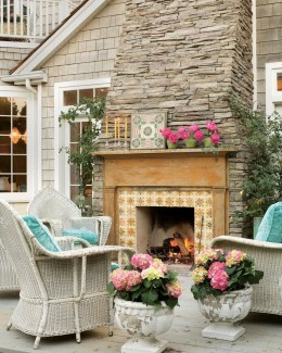 Pretty Seating Area Ideas With Outside Fireplace 21