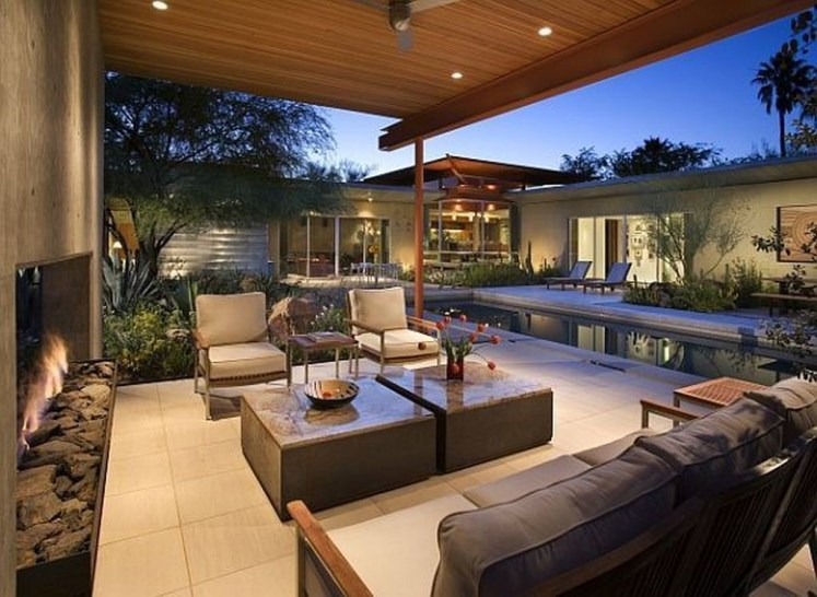 Pretty Seating Area Ideas With Outside Fireplace 27