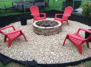Pretty Seating Area Ideas With Outside Fireplace 30