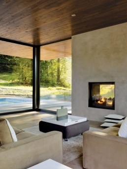 Pretty Seating Area Ideas With Outside Fireplace 33