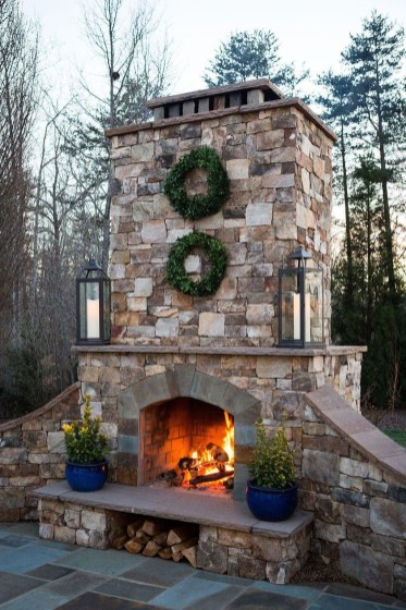 Pretty Seating Area Ideas With Outside Fireplace 40
