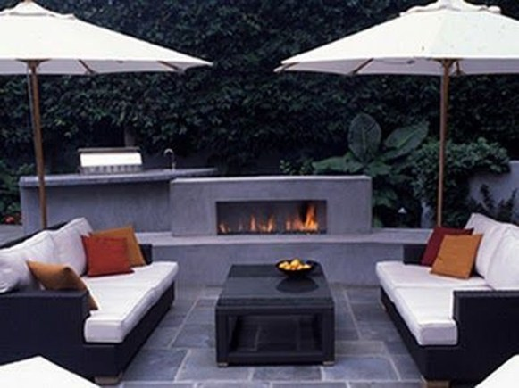 Pretty Seating Area Ideas With Outside Fireplace 50